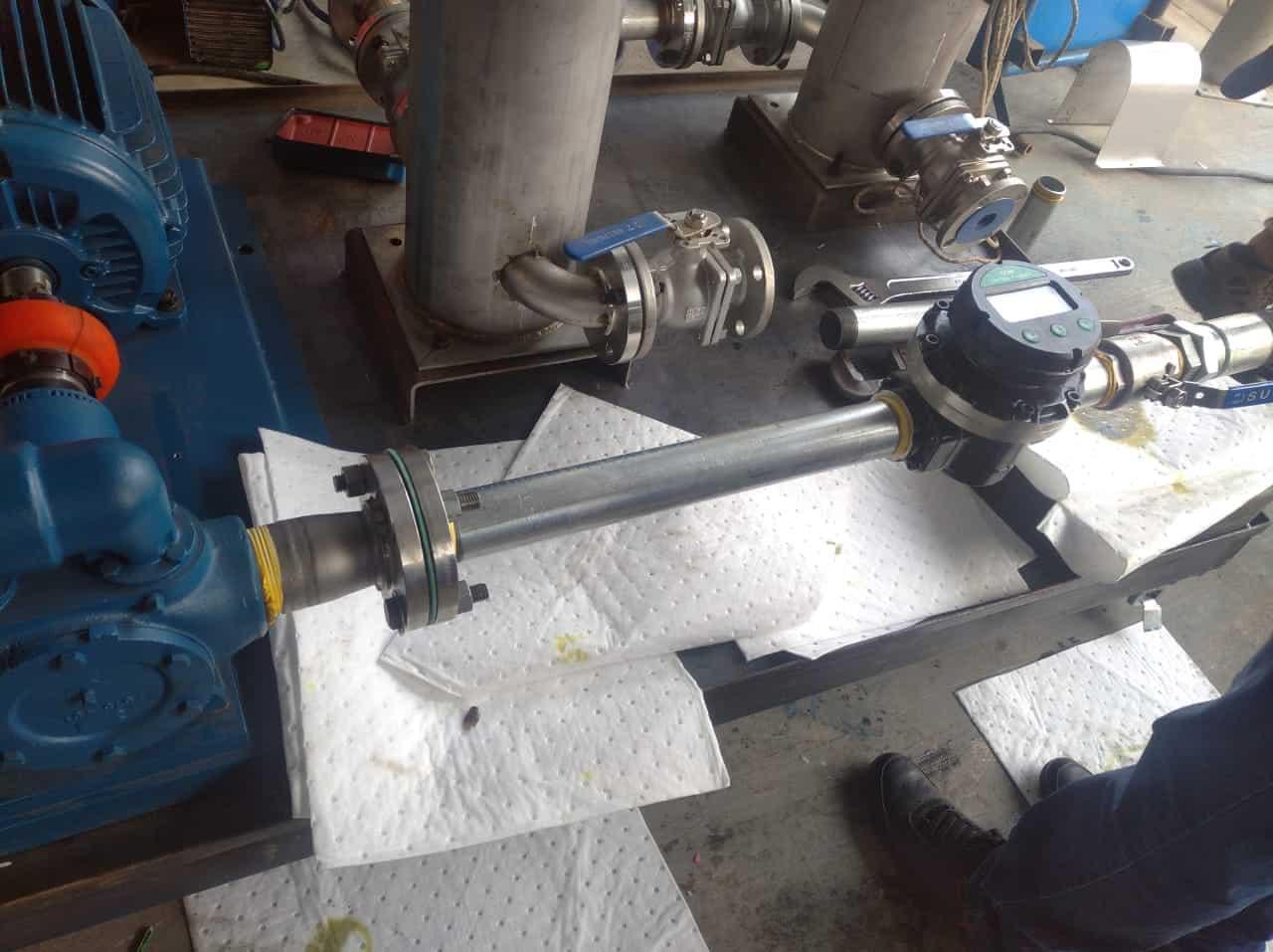 instalacion flujometro aceite